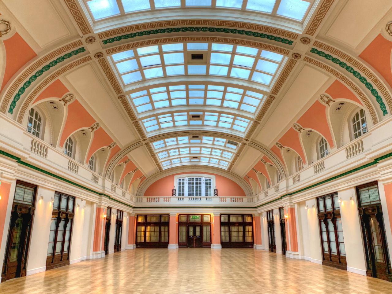 My London Walks: The Grand Hall, former Metropolitan Water Board Headquarters, New River Head
