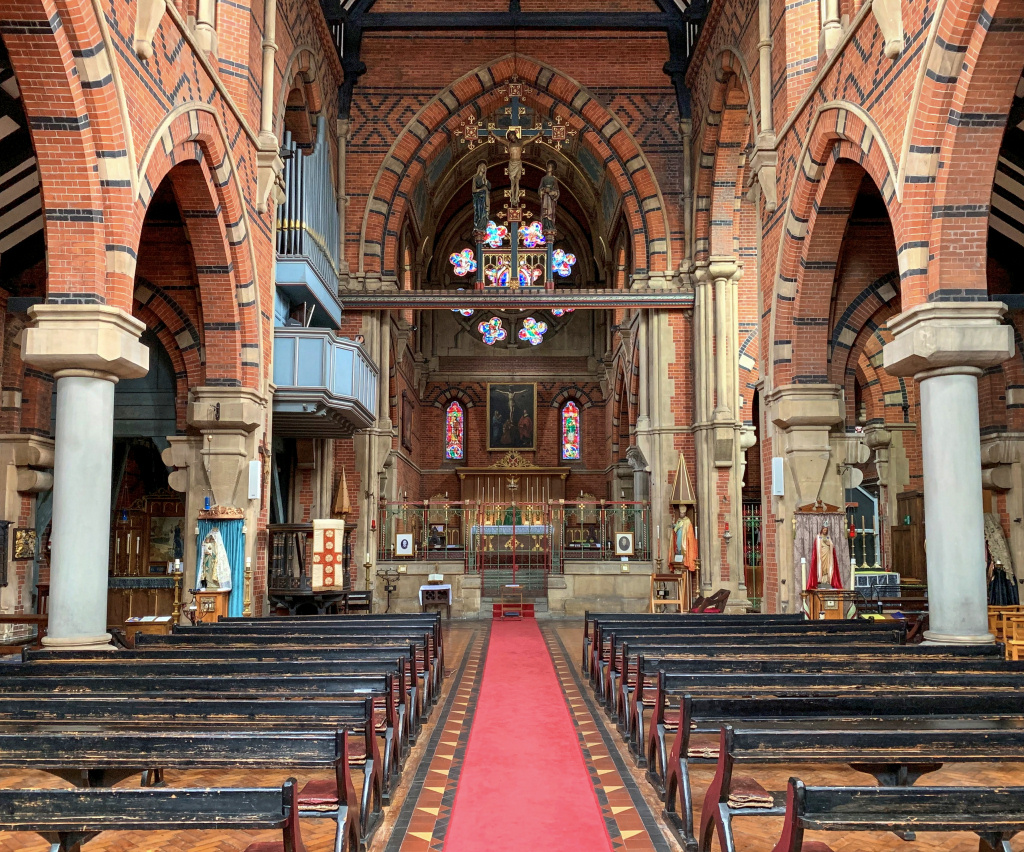 My London Walks: St Peter's London Docklands interior